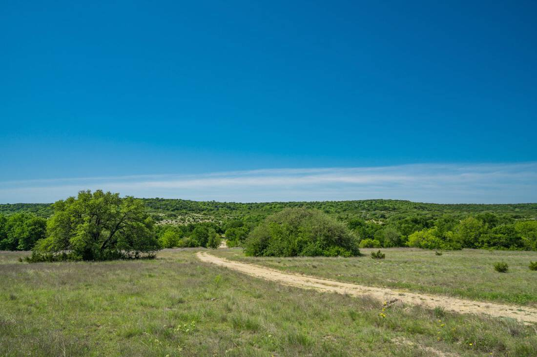 Cook Ranch.Hamilton County.Cranfills Gap.Hunting.Cattle.Live Water.Topography.Republic Ranches.Texas.Bryan Pickens - 1 of 63 (14)